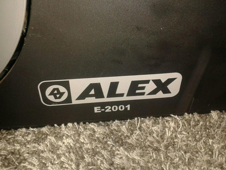Bild 3: Elliptical Trainer E-2001 von ALEX,