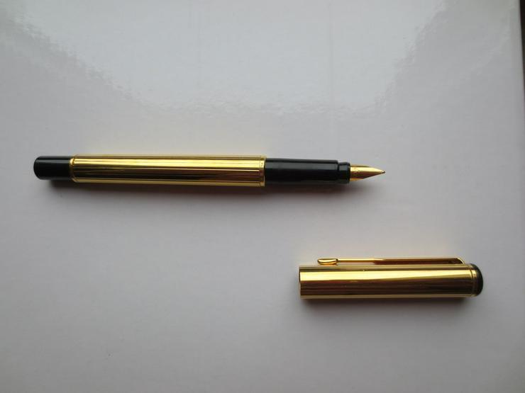 Bild 2: Goldener PARKER Füllfederhalter,neuwertig, 13cm