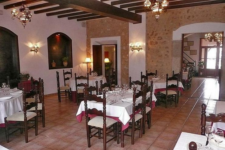 Luxuriöses Hotel in landestypischem Stil mit großem Restaurant - Gewerbeimmobilie kaufen - Bild 1