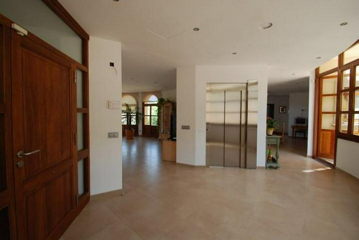 Bild 6: Herrschaftliche Neubau-Villa in ruhiger Wohngegend