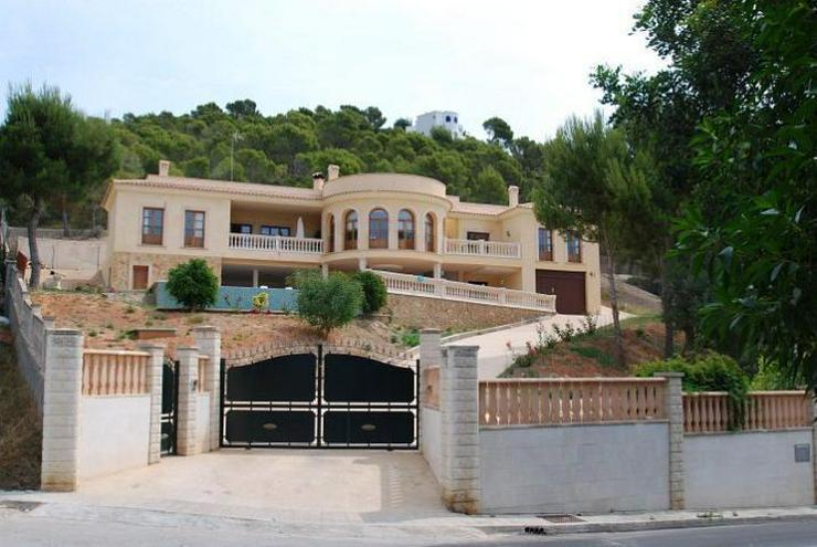 Herrschaftliche Neubau-Villa in ruhiger Wohngegend - Haus kaufen - Bild 1