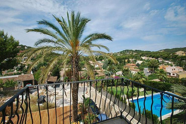 MALLORCA Villa in Costa de la Calma mit Weitblick bis zum Meer.