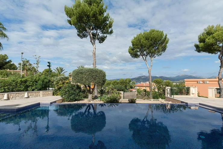 Bild 2: Sehr elegante Villa in einer exklusiven Wohngegend mit Meerblick