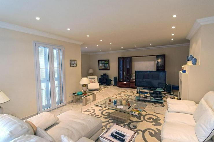 Bild 13: Sehr elegante Villa in einer exklusiven Wohngegend mit Meerblick