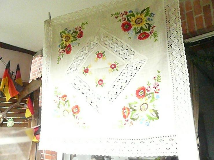 Bild 2: Original ungarische Plattstickerei-Tischdecke