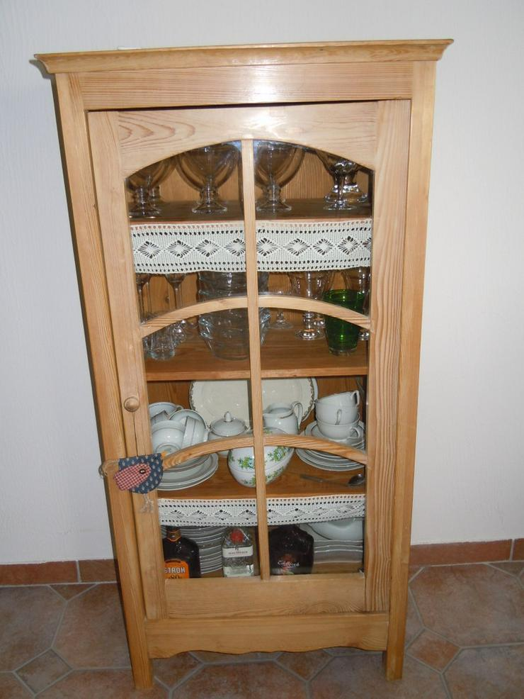 Antike echte Weichholzvitrine