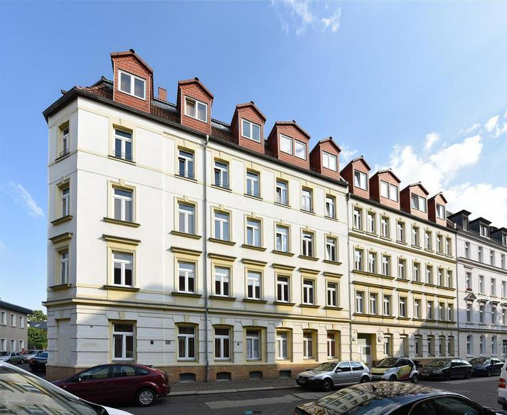 ** Dachgeschoss in Lindenau: schöne Wohnung mit Laminat, EBK und Badewanne ** - Wohnung mieten - Bild 1