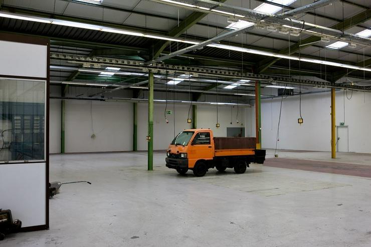 Bild 5: BIS 1500 m² PRODUKTIONS- UND LAGERFLÄCHEN AB 1,99 EUR/m²* IDEAL FÜR KURZZEITLÖSUNGEN