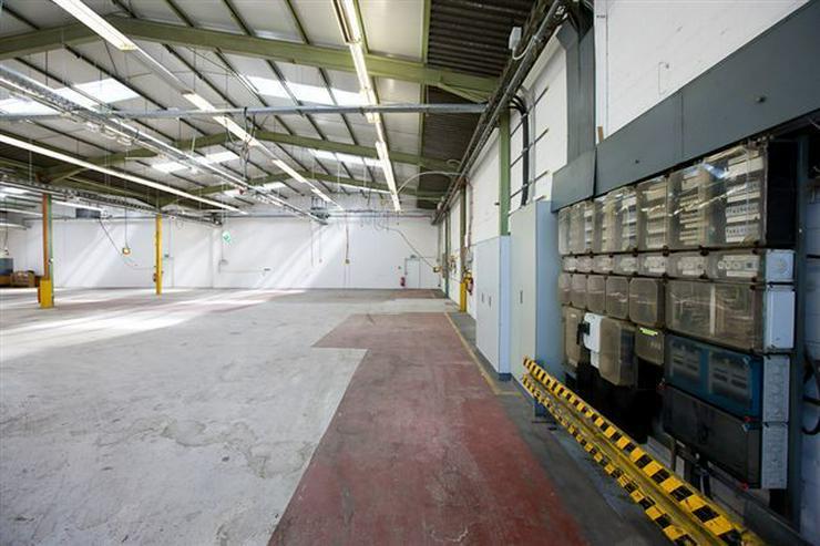 Bild 4: BIS 1500 m² PRODUKTIONS- UND LAGERFLÄCHEN AB 1,99 EUR/m²* IDEAL FÜR KURZZEITLÖSUNGEN