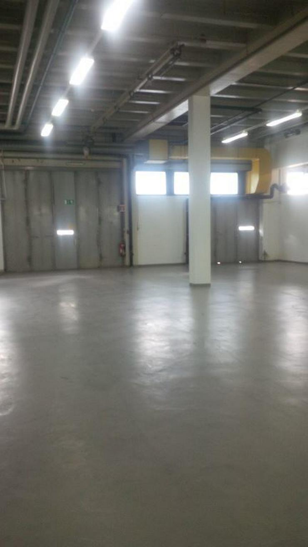 Bild 2: PRAKTISCHER EBENERDIGER LAGERRAUM MIT TOR UND HEIZUNG AB 4,40 EUR/m²