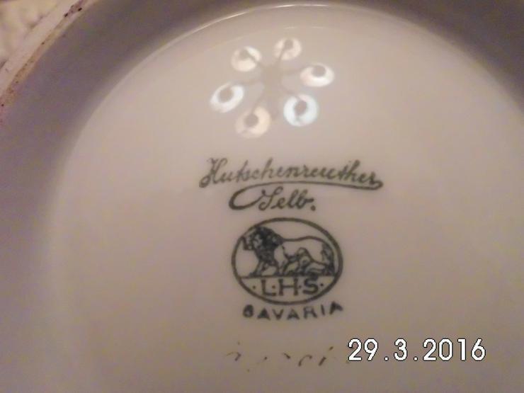 Bild 2: Teekanne Porzellan weiß /gold von Oma /