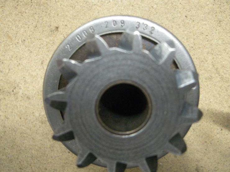 Bild 2: BOSCH  Getriebe mit Ritzel 2 006 209 332
