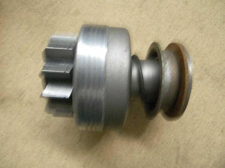 Bild 3: BOSCH  Getriebe mit Ritzel 2 006 209 332