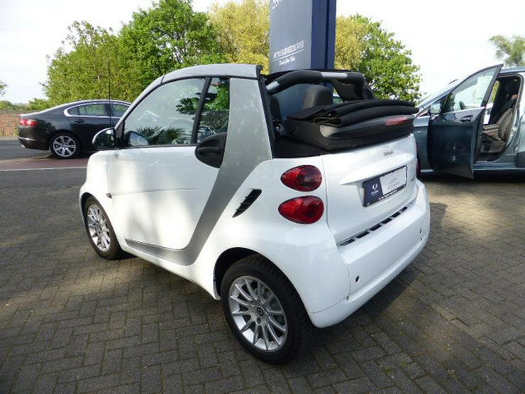 Bild 5: SMART smart fortwo cabrio softouch passion micro hybrid drive