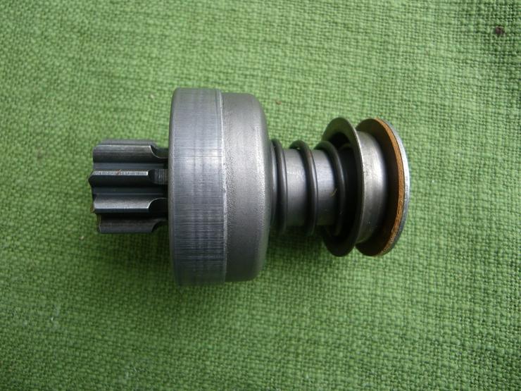 Bild 2: CASE BOSCH Getriebe mit Ritzel 2 006 209 442