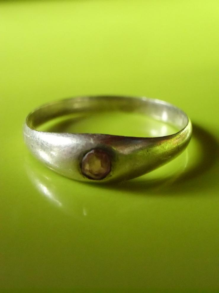 silberner Ring mit hellrosa Stein