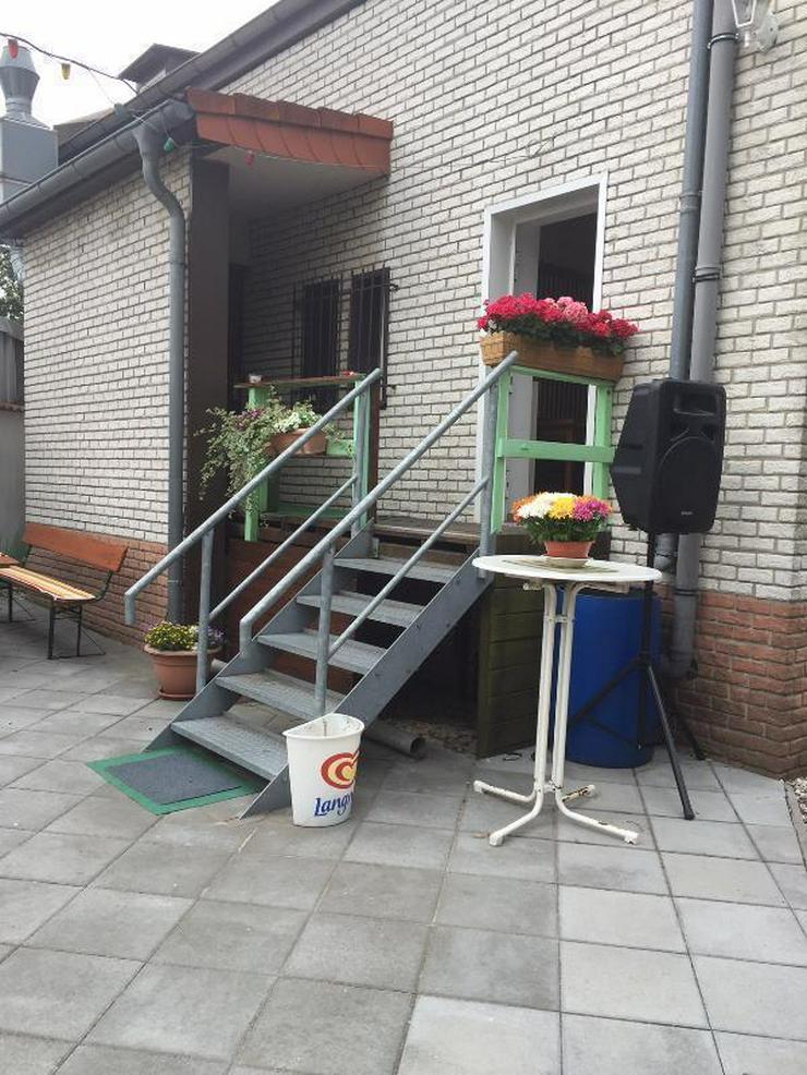 Bild 2: Gasthaus mit Biergarten