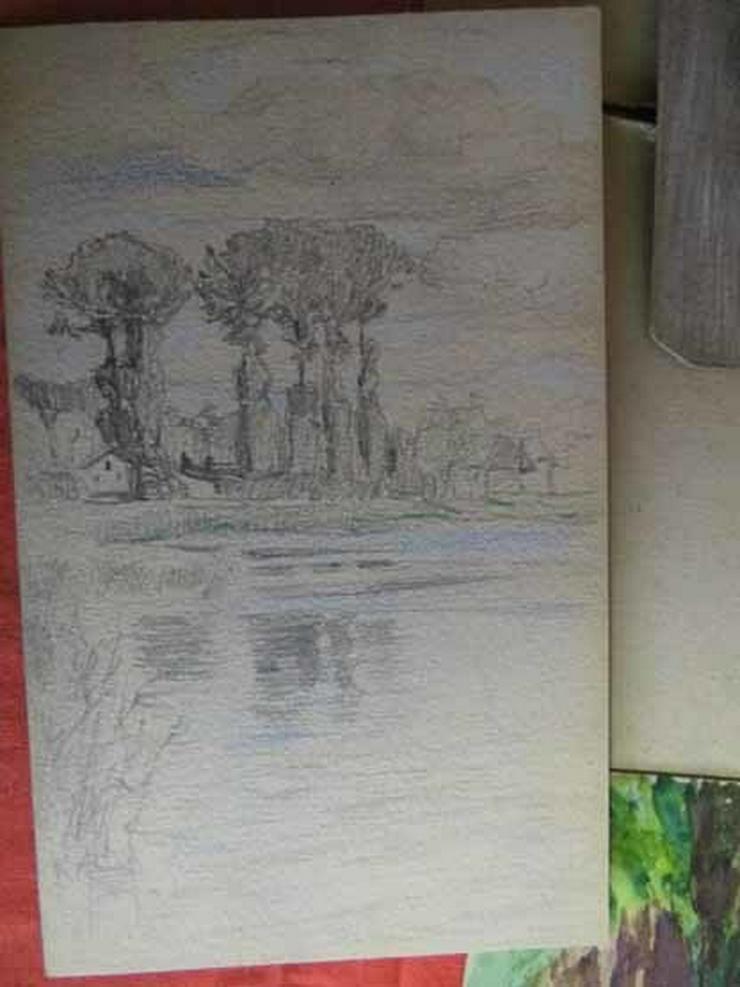 Bild 4: Skizzenbuch mit Zeichnungen unterschiedlicher