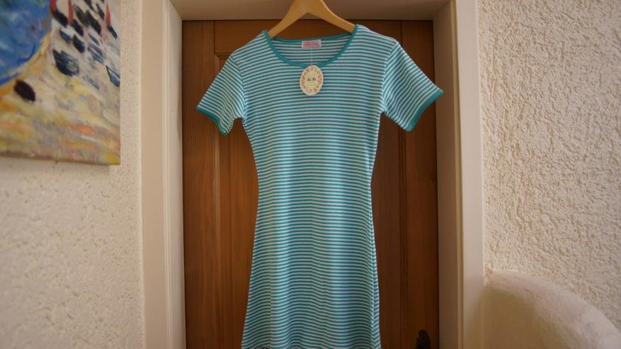Kleid, Gr. 140, grün-weiß, neu