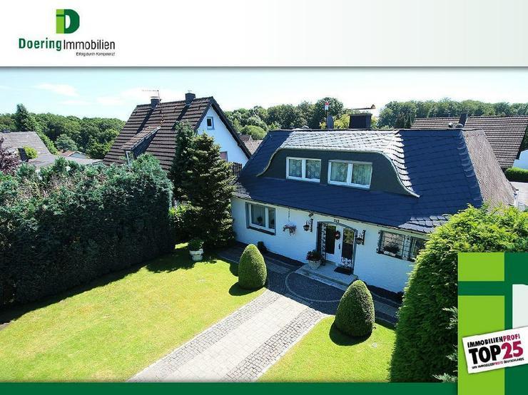 Herrschaftliche Villa mit 2 Gartengrundstücken.