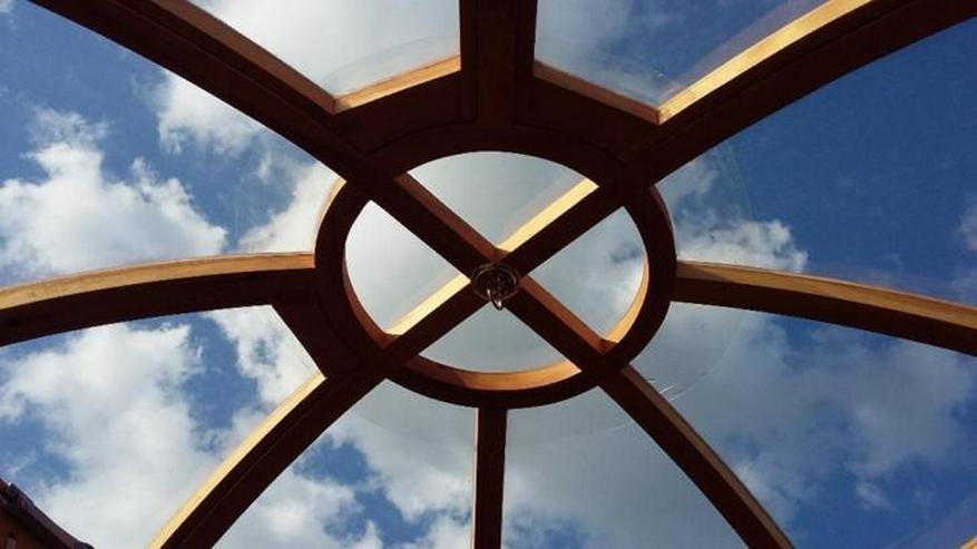 Bild 4: Jurte/Ger weiß mit Dekor, Ø6,7 Meter, 35 M2.