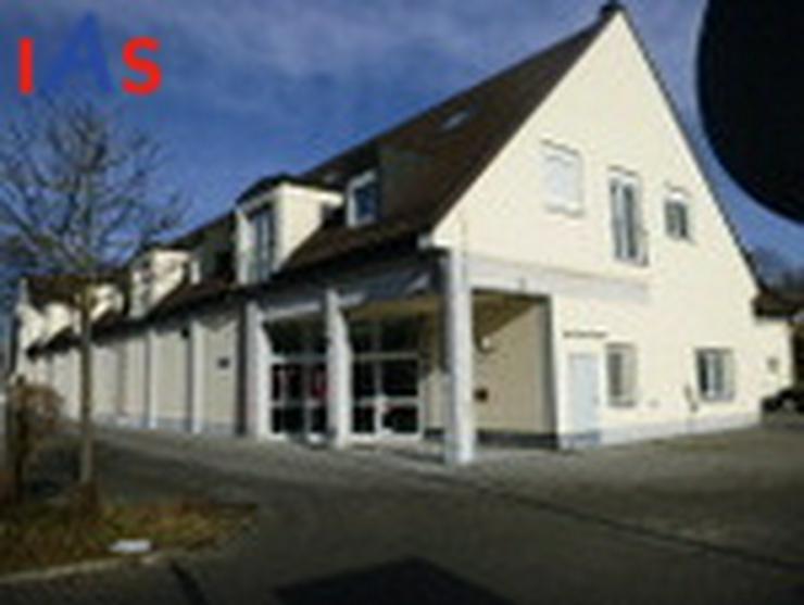 Bild 3: Kapitalanlage - 2 Zimmer mit Küche und Essecke in guter Lage, mit Terrassenplatz und Kfz-...