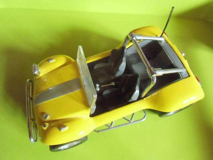 gelbes Auto mit Rückziehmotor