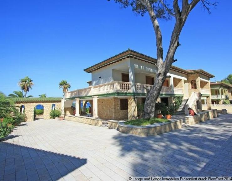 Bild 2: Denia - Denia - Rarität - Villa mit direkter Lage am Meer - Spanien Immobilien