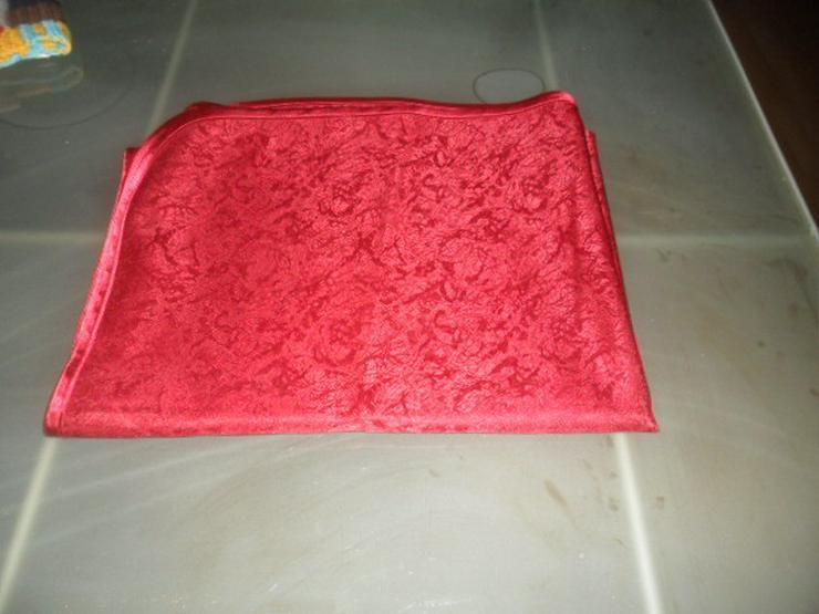 Bild 3: 2 Tischdecken