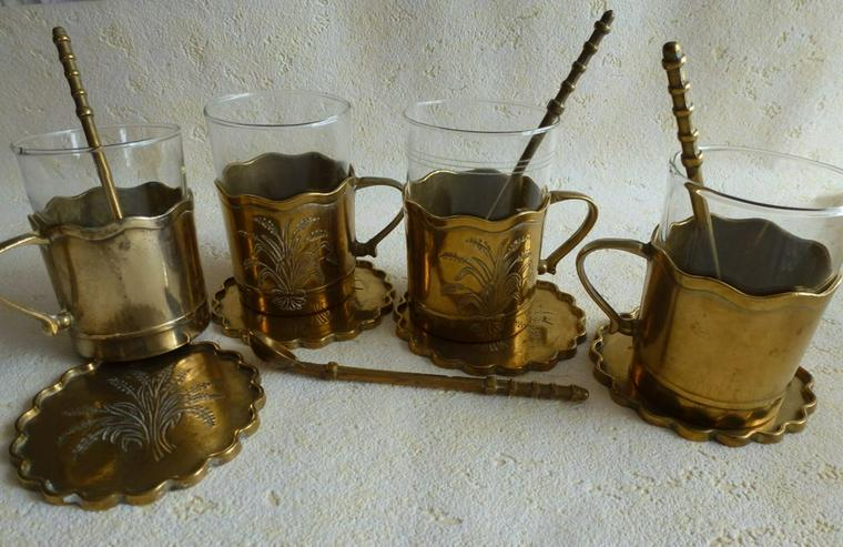 Messing-Tee und Grog Gläser