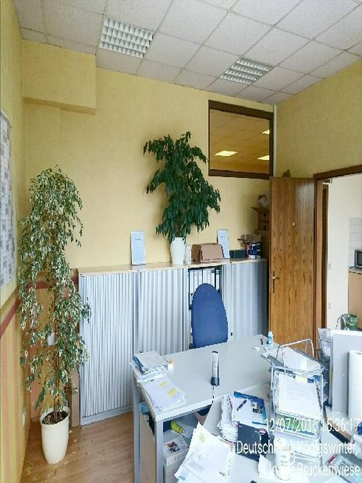 Bild 2: Zwei Büro- oder Kursräume mit separatem Eingang