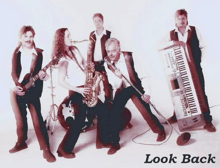 Bild 2: Look Back - Oldieband