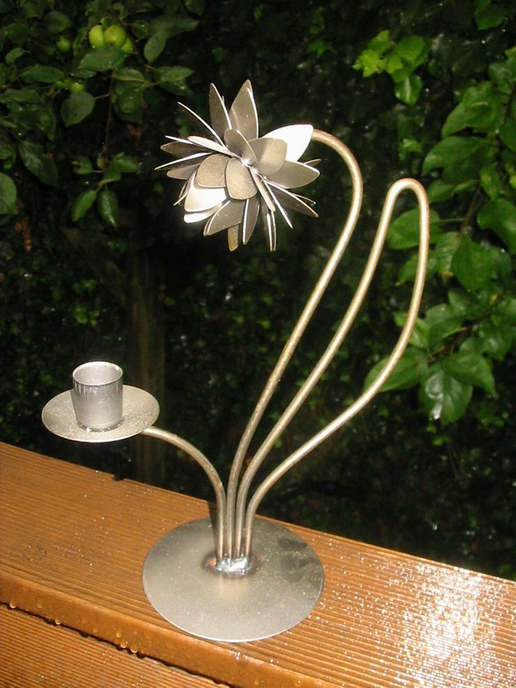Deko Blume aus Edelstahl als Kerzenständer