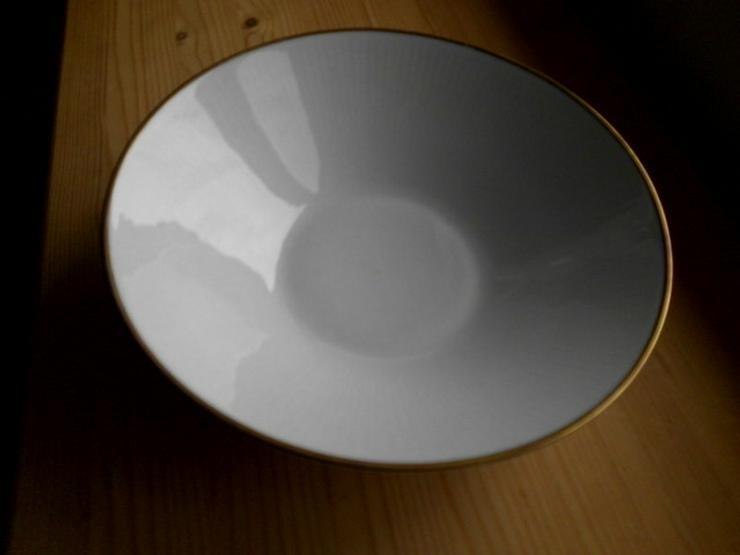 Schüssel aus weißem Porzellan