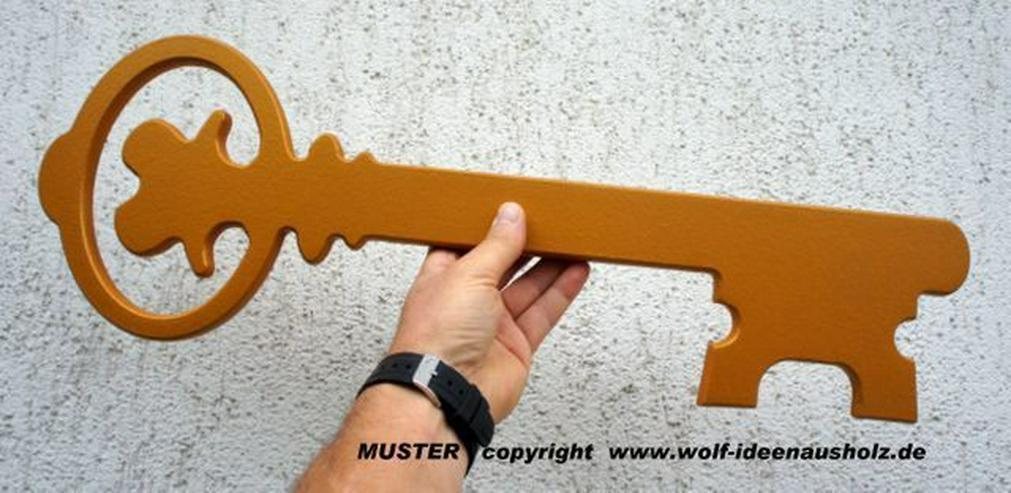 Bild 3: Geschenk zur Hauseinweihung,Übergabeschlüssel