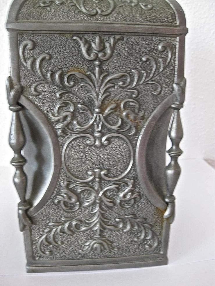 Bild 2: Alter Zinnbehälter mit Ringdeckelverschluss