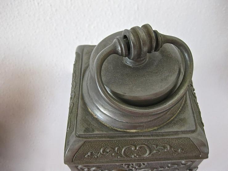 Bild 4: Alter Zinnbehälter mit Ringdeckelverschluss