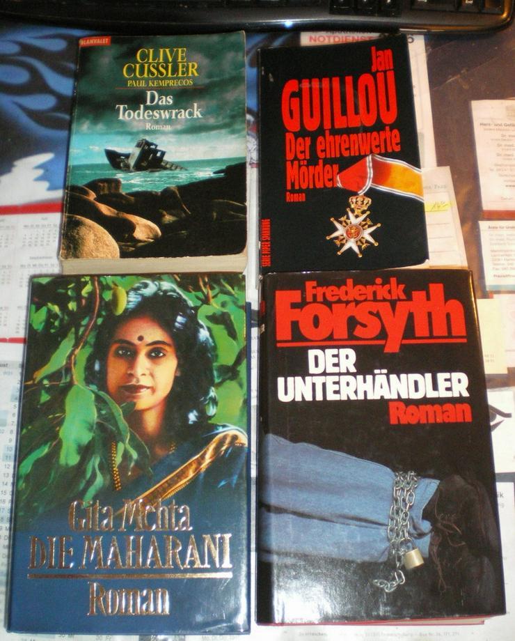 Bücher 4 Stück an der Zahl (VB)