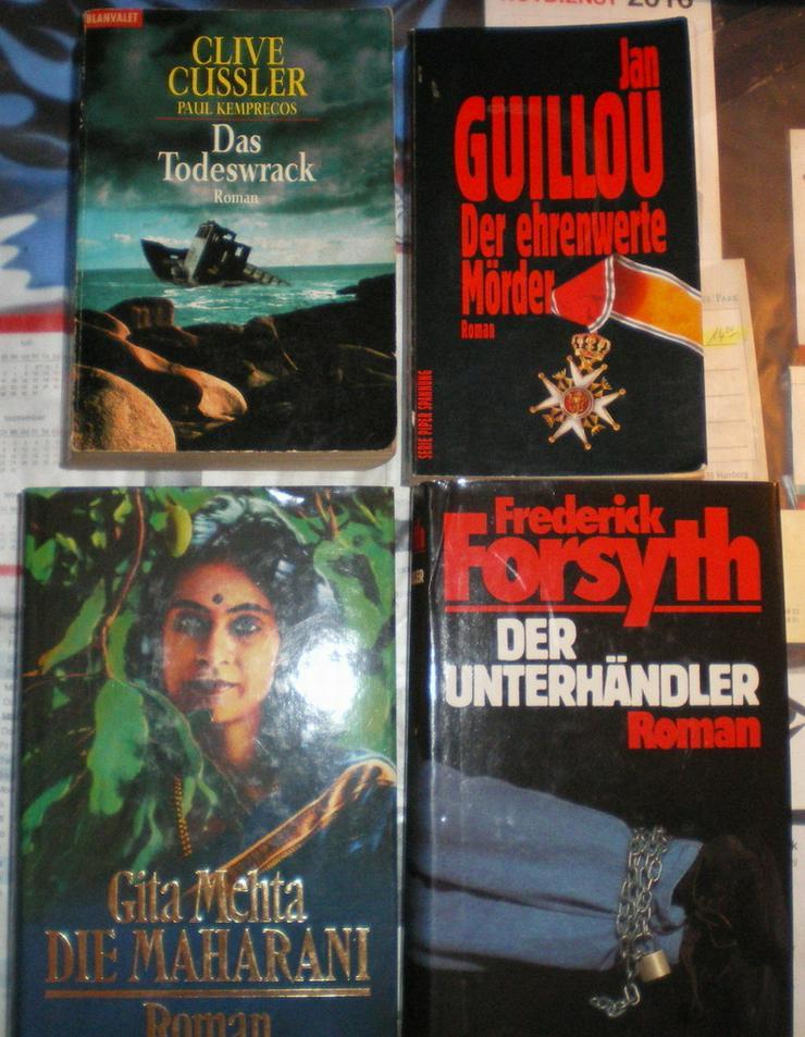 Bild 2: Bücher 4 Stück an der Zahl (VB)