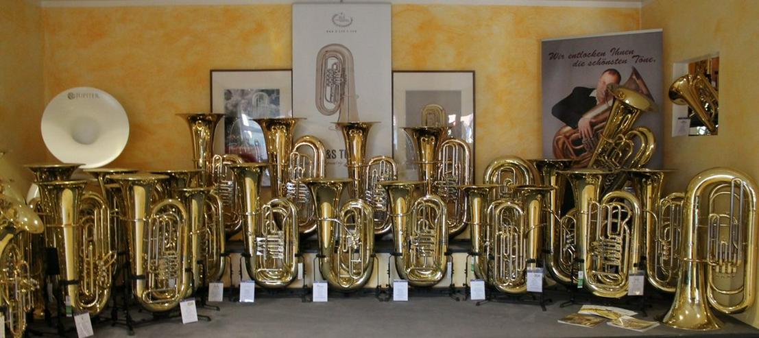 Bild 2: Besson Es - Tuba Neu, echt versilbert + Koffer