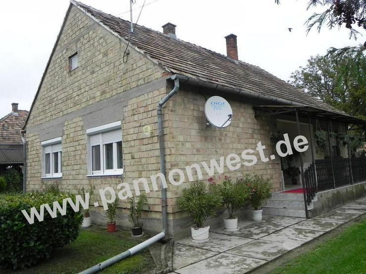 Günstiges, ebenerdiges Dorfhaus in Plattenseeregion - Haus kaufen - Bild 1