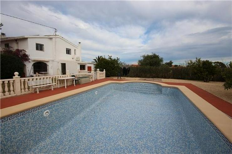 Bild 2: Großzügige Finca mit Gästewohnung, Zentralheizung, Pool, Garage, Solar, Dachterrasse in...