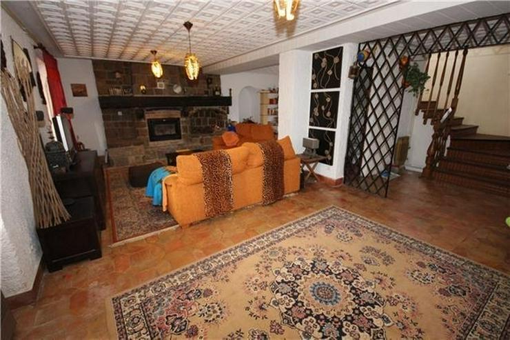 Bild 6: Großzügige Finca mit Gästewohnung, Zentralheizung, Pool, Garage, Solar, Dachterrasse in...