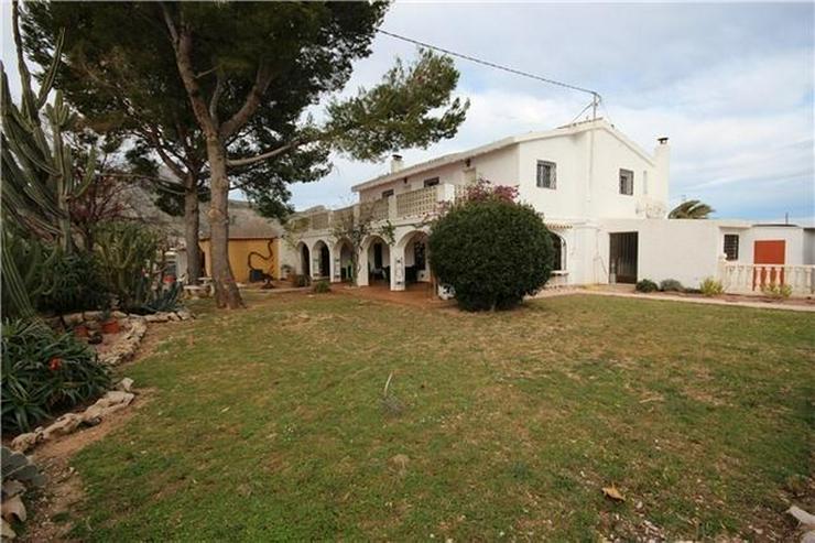 Großzügige Finca mit Gästewohnung, Zentralheizung, Pool, Garage, Solar, Dachterrasse in... - Haus kaufen - Bild 1