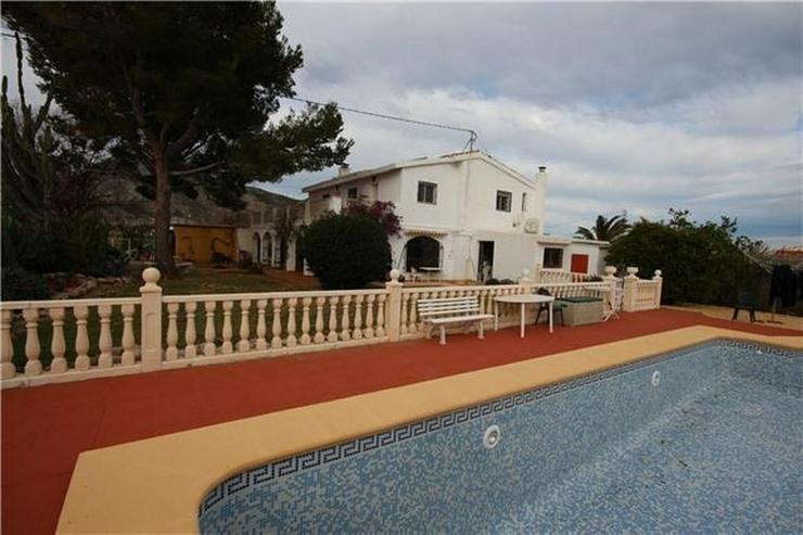 Bild 3: Großzügige Finca mit Gästewohnung, Zentralheizung, Pool, Garage, Solar, Dachterrasse in...