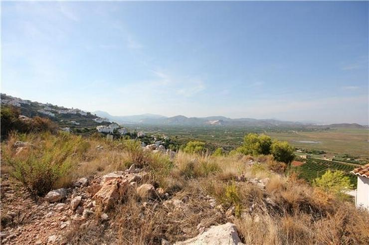 Bild 5: 1200 m² Baugrundstück in sonniger Lage mit Aussicht aufs Meer, die Berge und Pegos Natur...