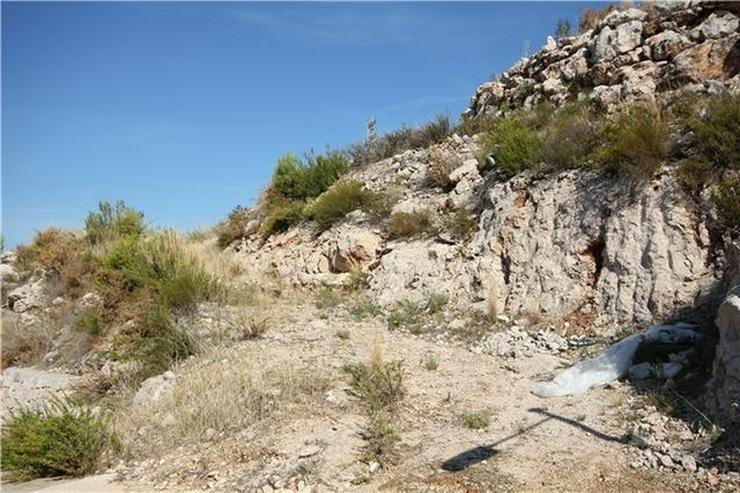 Bild 4: 1200 m² Baugrundstück in sonniger Lage mit Aussicht aufs Meer, die Berge und Pegos Natur...
