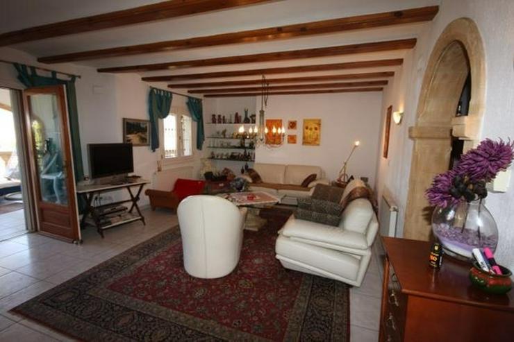 Bild 5: Villa mit Gästewohnung und uneinsehbarem Grundstück, BBQ, Garage, Pavillon und Burgblick