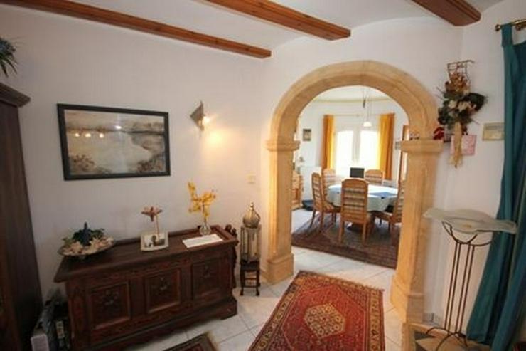 Bild 4: Villa mit Gästewohnung und uneinsehbarem Grundstück, BBQ, Garage, Pavillon und Burgblick