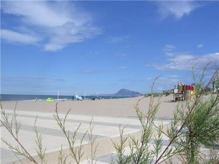 Bild 6: Traumhaftes Baugrundstück mit einer unbeschreiblich schönen Fernsicht auf das Meer und i...